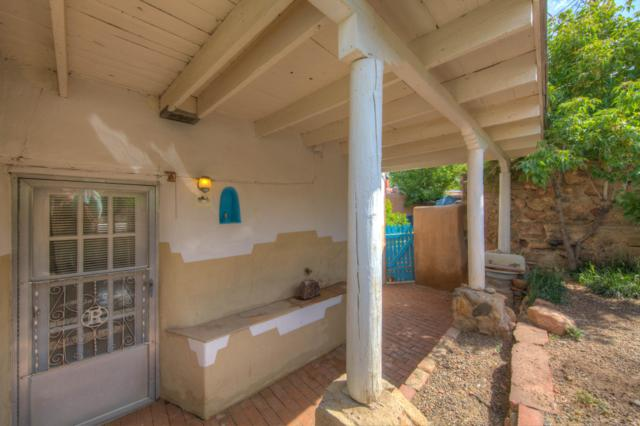 1063 Camino San Acacio, Santa Fe, NM 87505 (MLS #947480) :: The Bigelow Team / Red Fox Realty