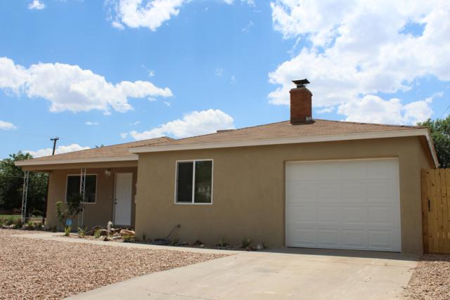 1801 Elizabeth Street NE, Albuquerque, NM 87112 (MLS #947924) :: The Bigelow Team / Realty One of New Mexico