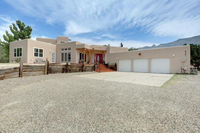 11211 Oakland Avenue NE, Albuquerque, NM 87122 (MLS #948355) :: Campbell & Campbell Real Estate Services
