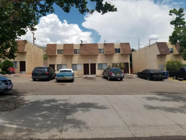 180 Monte Largo Drive NE, Albuquerque, NM 87123 (MLS #948379) :: The Bigelow Team / Red Fox Realty