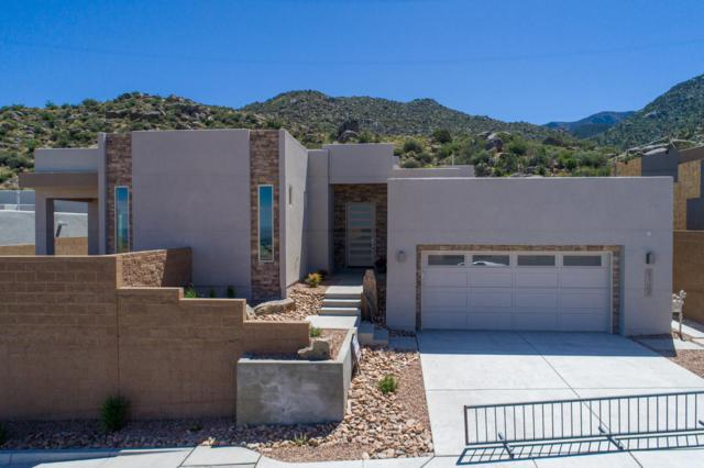 5104 Piedra Alta Lane NE, Albuquerque, NM 87111 (MLS #948405) :: The Bigelow Team / Red Fox Realty