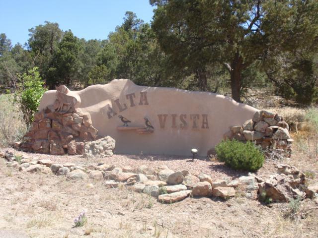40 Alta Vista Road, Tijeras, NM 87059 (MLS #948768) :: The Buchman Group