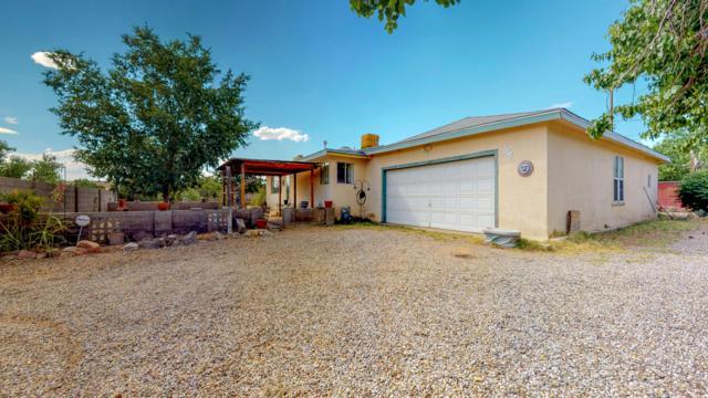 598 Camino Los Milagros, Corrales, NM 87048 (MLS #949093) :: Silesha & Company