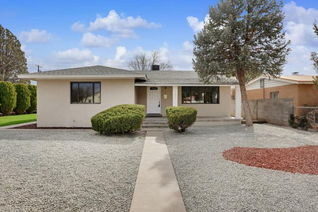 702 Carlisle Place SE, Albuquerque, NM 87108 (MLS #949155) :: Campbell & Campbell Real Estate Services