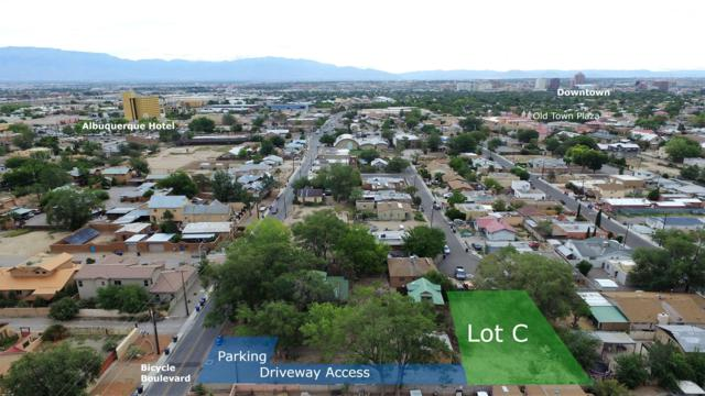 2410 Mountain Road NW, Albuquerque, NM 87104 (MLS #949540) :: Campbell & Campbell Real Estate Services