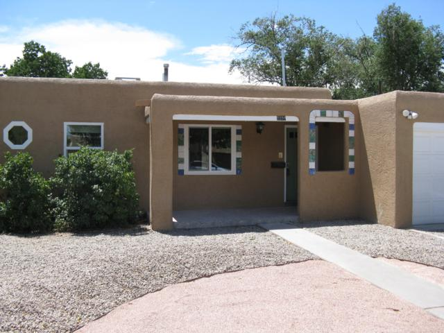 1109 Lafayette Drive NE, Albuquerque, NM 87106 (MLS #949566) :: Campbell & Campbell Real Estate Services