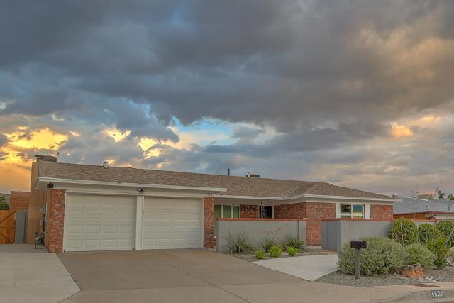 4608 Danube Drive NE, Albuquerque, NM 87111 (MLS #949597) :: Campbell & Campbell Real Estate Services