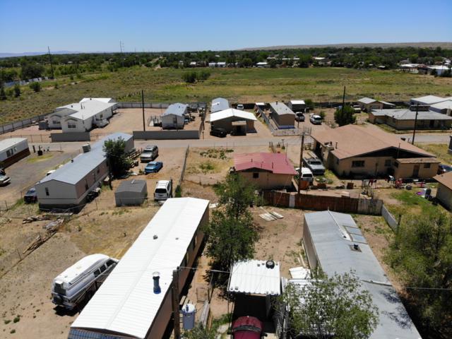 702 Camino Del Llano, Belen, NM 87002 (MLS #949656) :: The Bigelow Team / Red Fox Realty