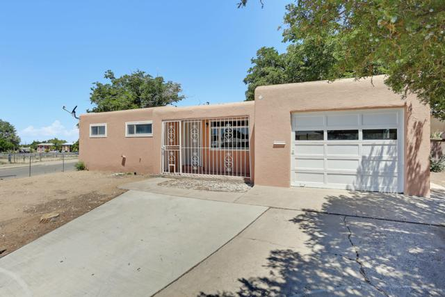 10801 Prospect Avenue NE, Albuquerque, NM 87112 (MLS #949665) :: Campbell & Campbell Real Estate Services