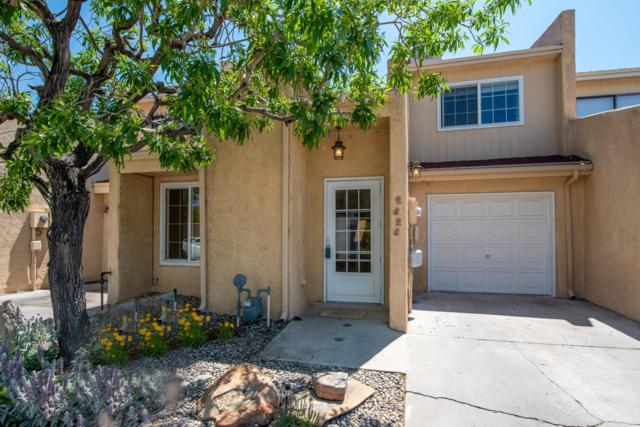 2828 Enebro Street NE, Albuquerque, NM 87112 (MLS #949698) :: Campbell & Campbell Real Estate Services