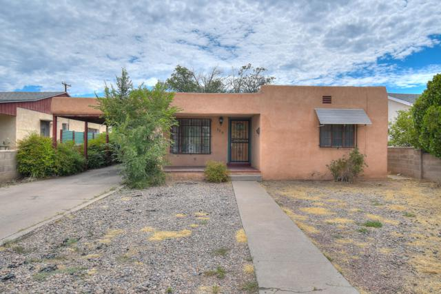 304 Washington Street NE, Albuquerque, NM 87108 (MLS #950029) :: The Bigelow Team / Red Fox Realty