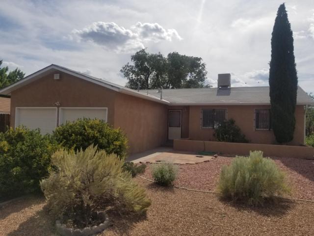 1137 Nakomis Drive NE, Albuquerque, NM 87112 (MLS #950072) :: Silesha & Company