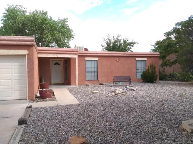 5204 Sooner Trail NW, Albuquerque, NM 87120 (MLS #950079) :: Silesha & Company