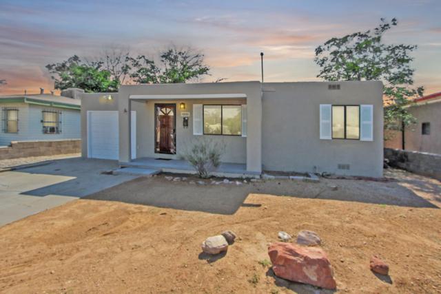 936 Palomas Drive SE, Albuquerque, NM 87108 (MLS #950298) :: The Bigelow Team / Red Fox Realty