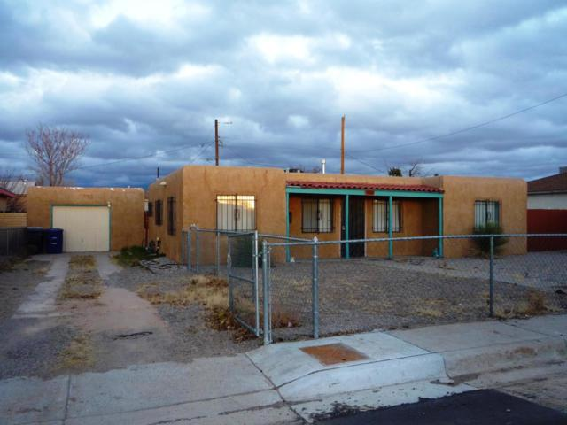 334 Estancia Drive NW, Albuquerque, NM 87105 (MLS #950648) :: Campbell & Campbell Real Estate Services