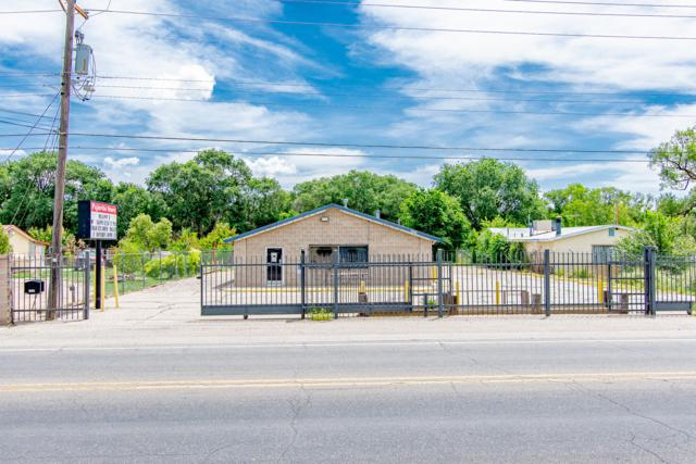Address Not Published, Albuquerque, NM 87105 (MLS #950933) :: The Bigelow Team / Red Fox Realty
