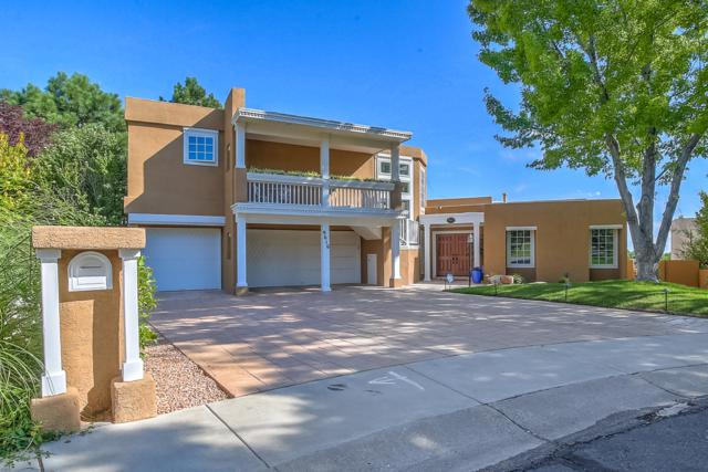 9616 St. Andrews Court NE, Albuquerque, NM 87111 (MLS #951227) :: The Bigelow Team / Red Fox Realty