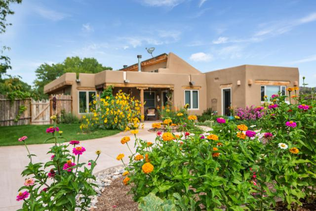 65 Private Drive 1637, Abiquiu, NM 87510 (MLS #951267) :: Campbell & Campbell Real Estate Services