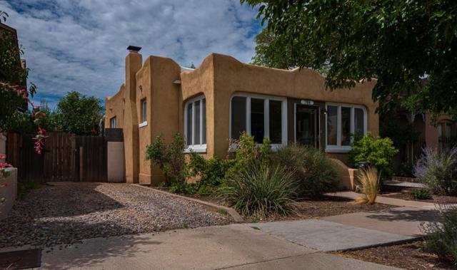 704 Slate Avenue NW, Albuquerque, NM 87102 (MLS #951565) :: Campbell & Campbell Real Estate Services