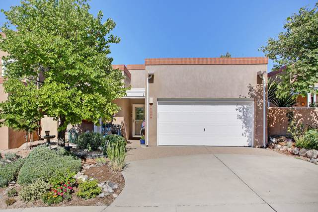 5609 Vulcan Vista Drive NE, Albuquerque, NM 87111 (MLS #953611) :: The Bigelow Team / Red Fox Realty