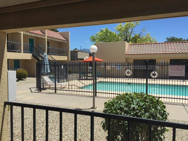 1025 Valencia Drive SE Apt 15, Albuquerque, NM 87108 (MLS #953809) :: The Bigelow Team / Red Fox Realty