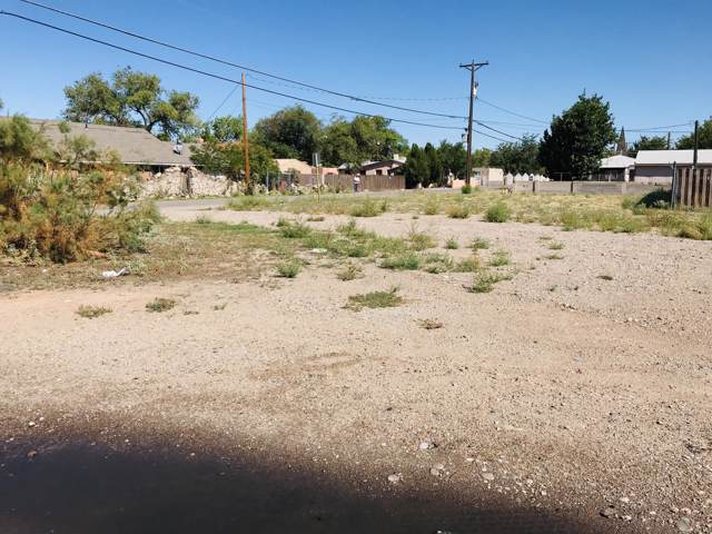 Calle Barrio Nuevo, Bernalillo, NM 87004 (MLS #954323) :: Campbell & Campbell Real Estate Services