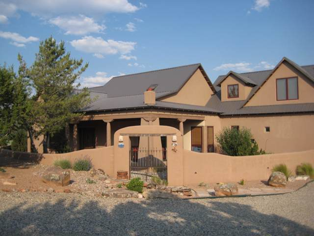 14 Via Entrada, Sandia Park, NM 87047 (MLS #954331) :: Campbell & Campbell Real Estate Services