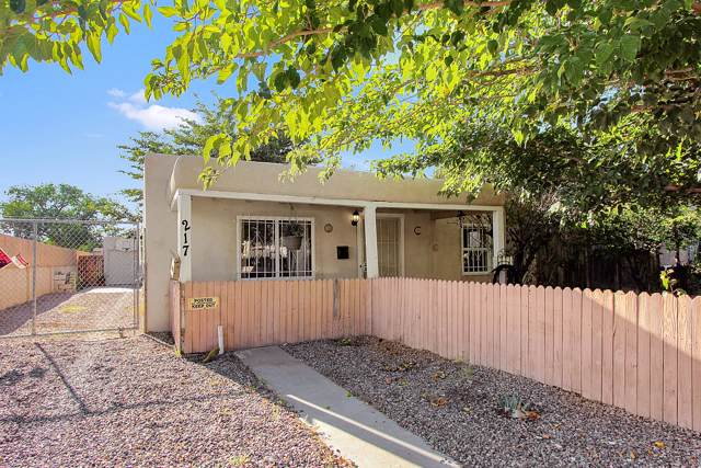 217 Virginia Street NE, Albuquerque, NM 87108 (MLS #954339) :: The Bigelow Team / Red Fox Realty