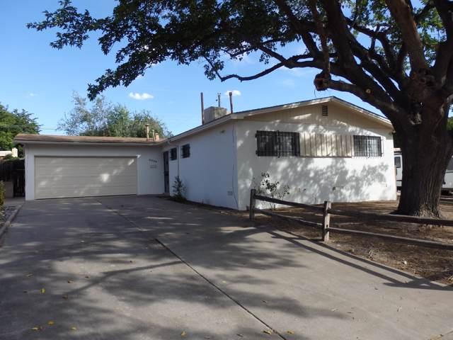 3300 Britt Street, Albuquerque, NM 87111 (MLS #954346) :: Silesha & Company