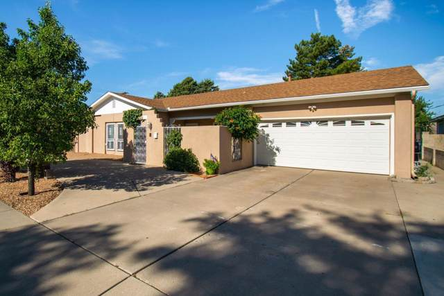3921 Julie Street NE, Albuquerque, NM 87110 (MLS #954393) :: Campbell & Campbell Real Estate Services