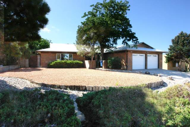 9600 Lona Lane NE, Albuquerque, NM 87111 (MLS #954479) :: Campbell & Campbell Real Estate Services
