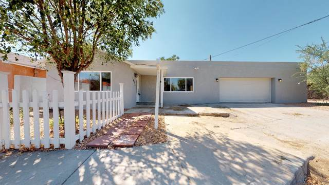 1608 Fruit Avenue NW, Albuquerque, NM 87104 (MLS #954539) :: Campbell & Campbell Real Estate Services
