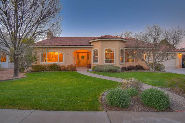 1719 San Cristobal Road SW, Albuquerque, NM 87104 (MLS #954875) :: Campbell & Campbell Real Estate Services
