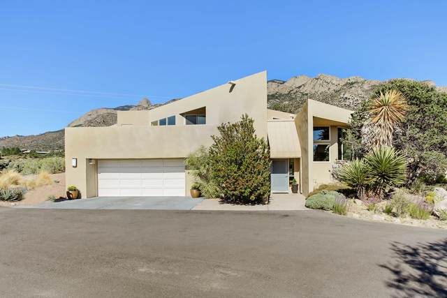 638 Cougar Loop, Albuquerque, NM 87122 (MLS #954972) :: Silesha & Company