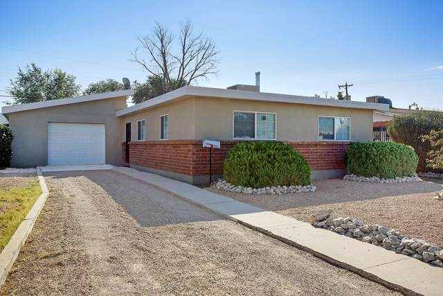 406 Grove Northeast Street NE, Albuquerque, NM 87108 (MLS #955102) :: Campbell & Campbell Real Estate Services