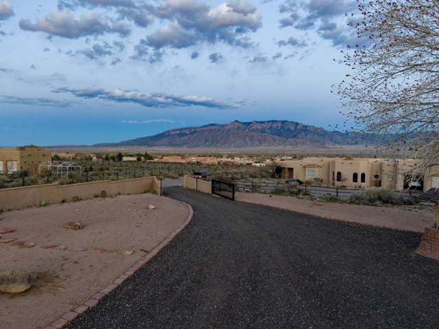 183 Camino Rayo Del Sol, Corrales, NM 87048 (MLS #955437) :: Campbell & Campbell Real Estate Services