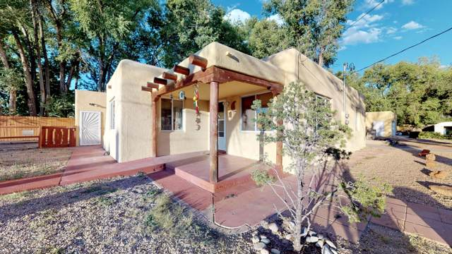 3118 11TH Street NW, Albuquerque, NM 87107 (MLS #955542) :: Campbell & Campbell Real Estate Services