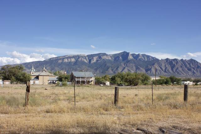 260 20th Street, Bernalillo, NM 87004 (MLS #955846) :: Campbell & Campbell Real Estate Services