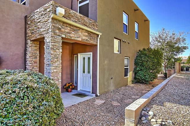 3523 Agua Sarca Court NE, Albuquerque, NM 87111 (MLS #956272) :: Campbell & Campbell Real Estate Services
