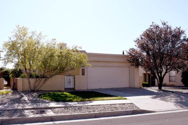 10908 Malaguena Lane NE, Albuquerque, NM 87111 (MLS #956484) :: Campbell & Campbell Real Estate Services
