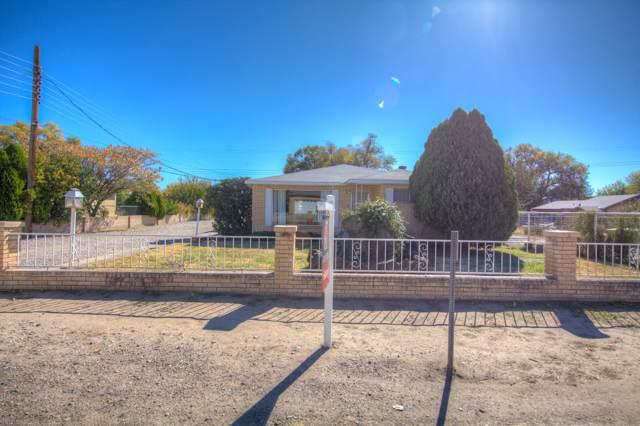 2524 Del Sur Drive SW, Albuquerque, NM 87105 (MLS #957065) :: Campbell & Campbell Real Estate Services