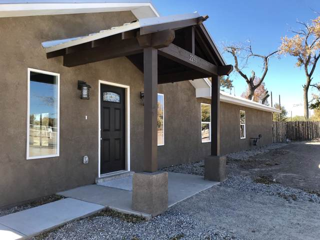 2236 Julie Avenue SW, Albuquerque, NM 87105 (MLS #957116) :: Campbell & Campbell Real Estate Services