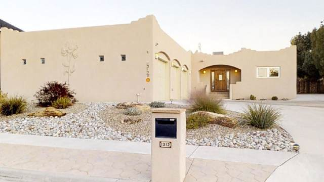 1312 Broadview Loop NW, Los Lunas, NM 87031 (MLS #957311) :: Campbell & Campbell Real Estate Services