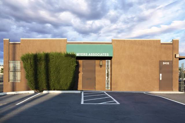 2432 Jefferson Street NE, Albuquerque, NM 87110 (MLS #957482) :: Campbell & Campbell Real Estate Services