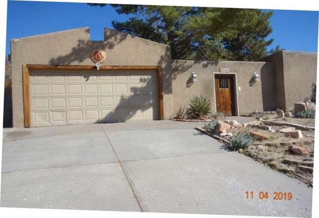 3020 Casa Del Norte Drive NE, Albuquerque, NM 87111 (MLS #957508) :: Campbell & Campbell Real Estate Services