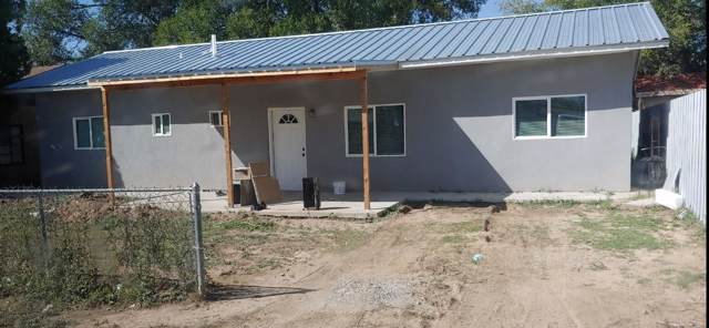 715 11TH Street, Belen, NM 87002 (MLS #957636) :: Campbell & Campbell Real Estate Services