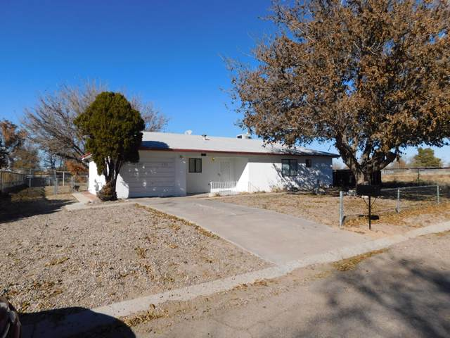 326 Clara Lane, Rio Communities, NM 87002 (MLS #957736) :: Campbell & Campbell Real Estate Services