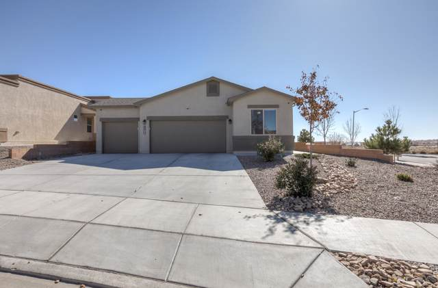 1102 Grace Street NE, Rio Rancho, NM 87144 (MLS #957773) :: The Bigelow Team / Red Fox Realty