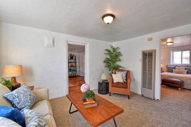 412 Aniceto Road NW, Albuquerque, NM 87114 (MLS #957798) :: The Bigelow Team / Red Fox Realty