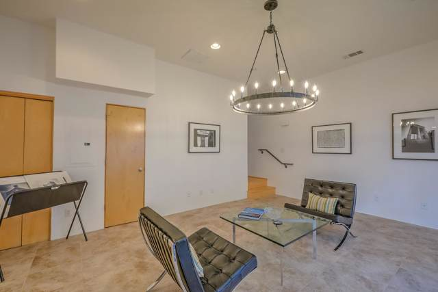 857 Silver Avenue SW, Albuquerque, NM 87102 (MLS #957875) :: Campbell & Campbell Real Estate Services